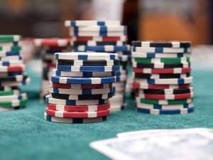 Claves para ganar dinero al poker online