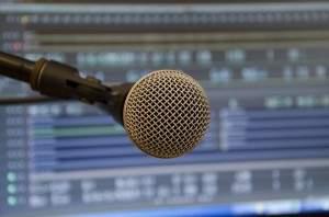 Seis maneras con las que ganar dinero haciendo podcast
